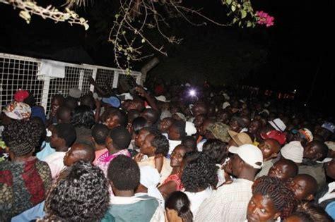 kenya ouverture des bureaux de vote plusieurs policiers tu 233 s dans la nuit le point