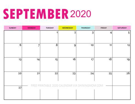 downloadable calendar   pretty  pink