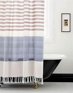 Rideau De Douche : 15 rideaux de douche pour une salle de bain tendance des ~ Voncanada.com Idées de Décoration