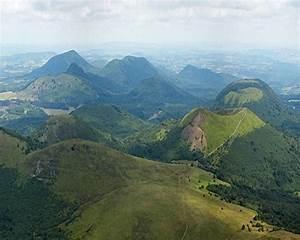 Puy De Dome : 17 best images about volcans d 39 auvergne on pinterest cable regional and nature ~ Medecine-chirurgie-esthetiques.com Avis de Voitures