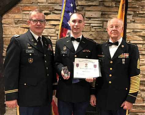 plover vfw post  rifle squad presents rotc award stevens point news
