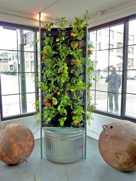 Vertical Vegetable Gardens by Aquaponic Vertical Vegetable Garden Plants On Walls