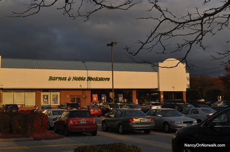 Barnes And Noble Norwalk Ct by Barnes Noble Leaving Norwalk As Shoprite Plaza Shakes Up