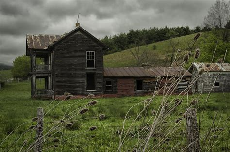 Abandoned Farm House In West Virginia Photograph by Mark ...