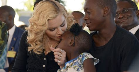 madonna shares photo with all 6 of 352 | 636353814987126930 DIC002