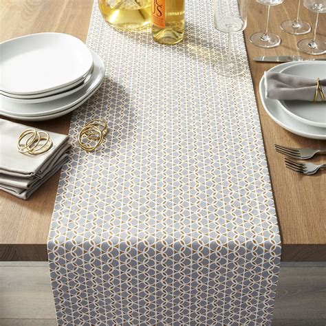 how long should a table runner be the hunt for the perfect table runner