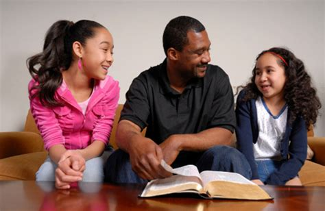 family devotions for preschoolers 3 tips for meaningful family devotions faithgateway 349