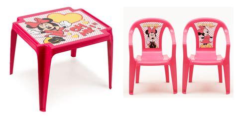 table et chaise minnie salon de jardin pour enfant minnie composé d 39 une table et