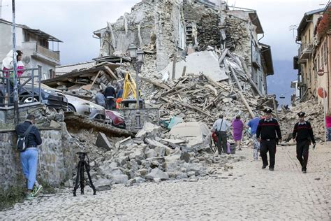 cette photo montre la puissance du tremblement de terre