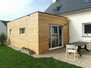 Extension en ossature bois avec baie coulissante aluminium for Beautiful maison toit plat bois 0 extension maison agrandissement ossature bois