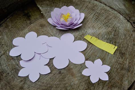 Camélias En Papier  Fleurs En Papier  Maman à Tout Faire