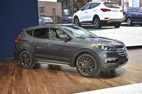 hyundai santa fe thinks    sexy facelift