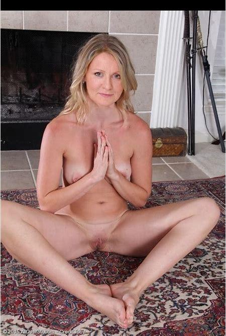 Esther McVey – Leaked Celebrity Nude Photos