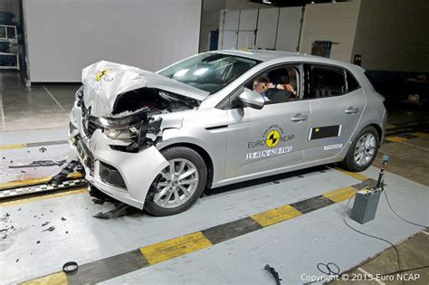 crash test siege auto 0 1 renault mégane im ncap crashtest 2015 autobild de