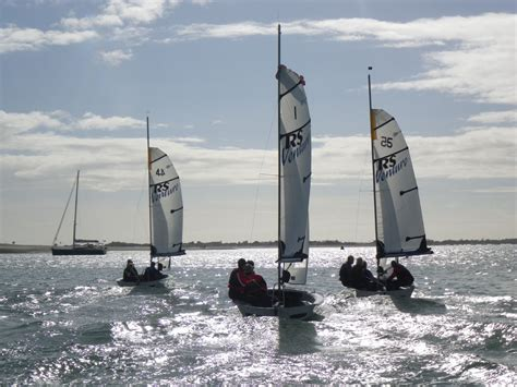 Best Beginner Boat To Buy by 25 Best Beginner Sailing Dinghies Boats