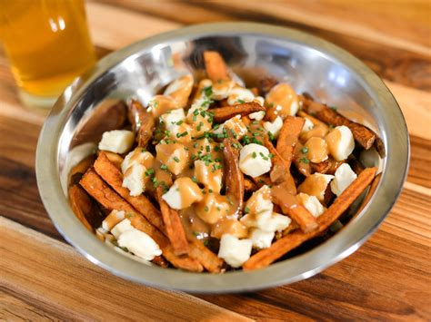 poutine cuisine need poutine now here 39 s how to it fast serious eats