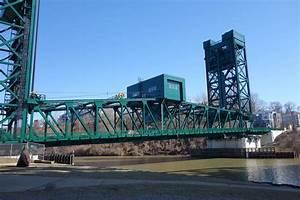 Columbus Road Lift Bridge - American Bridge