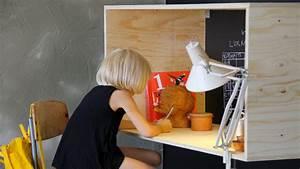 Bureau Enfant En Bois : fabriquer un bureau en bois pour enfant hyper sympa diy ~ Teatrodelosmanantiales.com Idées de Décoration
