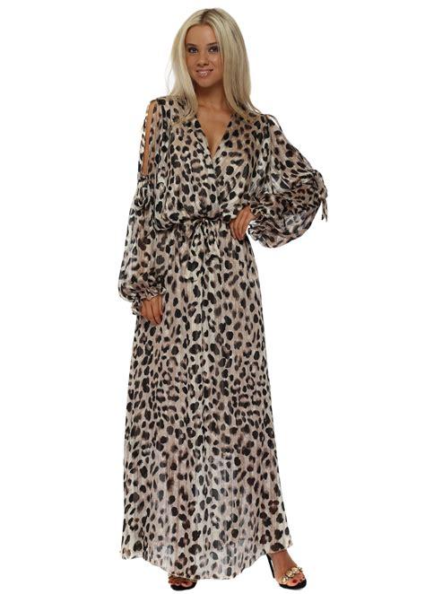 leopard print maxi dress briefly