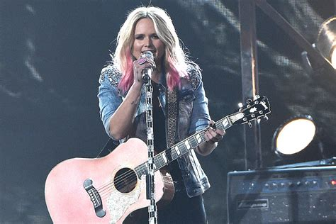 Miranda Lambert's New Pink Hair All The Exclusive Details
