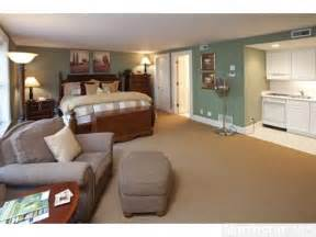 inlaw suite quot in quot suite complete with kitchenette and bathroom home guest room