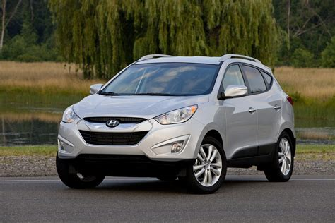 The 2012 hyundai tucson doesn't have the most powerful engine lineup in the class, nor the most cargo space, but reviewers were impressed with its stylish interior. 2013 Hyundai Tucson Test Drive Review - CarGurus