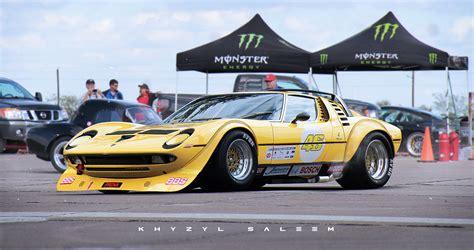 If Valentino Rossi's Dad Raced A Lamborghini Miura Instead