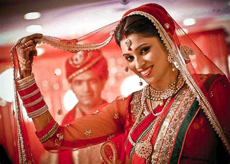 professional indian wedding photography poses 7 best candid poses from real indian weddings you