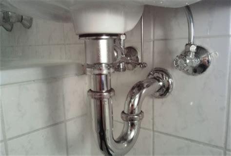 den waschbecken abfluss vor verstopfungen schuetzen