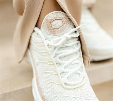 Que vaut la Nike TN Air Max Plus 'Snakeskin' Sail Beige ...