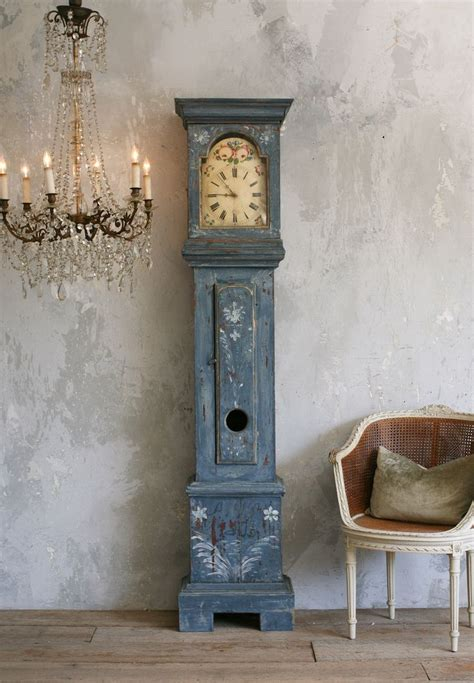 shabby chic grandfather clocks shabby chic done well nice grandfather s clock and lovely paint effect on the walls estilo
