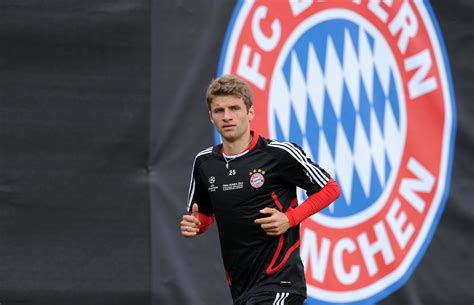 thomas muller wallpapers images  pictures backgrounds