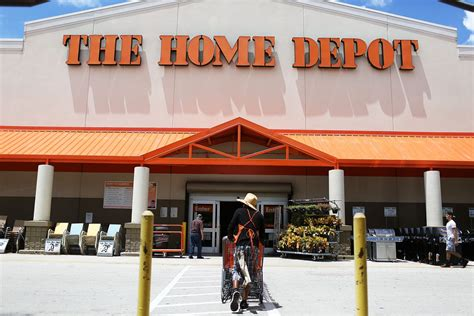 Home Depot : Home Depot Is Hiring 80,000 Seasonal Employees