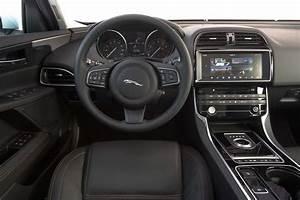 Jaguar Xe 2 5t 2017  Primera Prueba