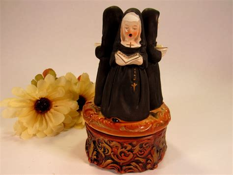 Our collectible antique music boxes range from regina disk music boxes to cylinder & orchestrion musical players & more. Vintage Price Rotating Music Box with 3 Nuns Singing with ...