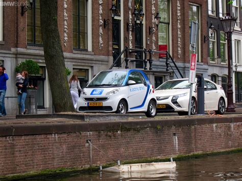 amsterdam loves  electric cars