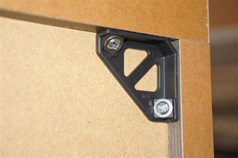 fixation de meuble haut de cuisine fixation meuble haut de cuisine dans placo image sur le