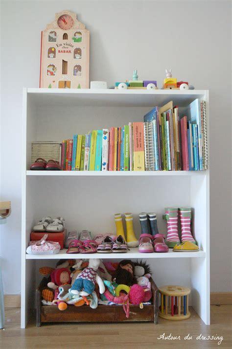 bibliotheque chambre chambre écolo de bébéautour du dressing