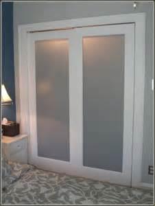 bathroom closet door ideas 25 best ideas about sliding closet doors on diy sliding door interior barn doors