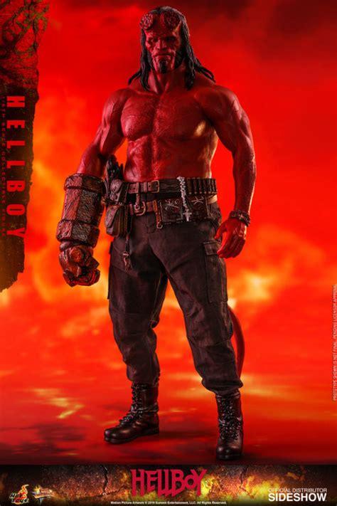 hellboy    masterpiece series figure  hot toys