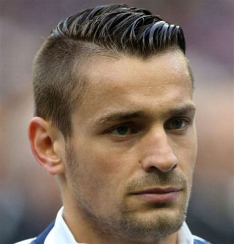 15 best soccer player haircuts men s hairstyles