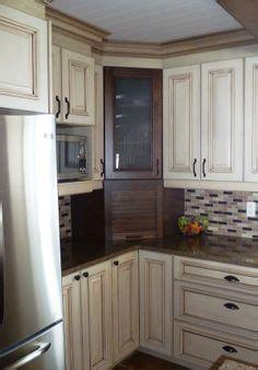 armoire de cuisine en pin couleur armoire de cuisine chetre en bois recherche