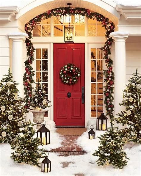 christmas front porch decorating with urns christmas edition fox hollow cottage