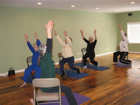 study  show chair yoga  effective alternative
