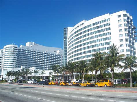 miami hotels fontainebleau miami wikipedia