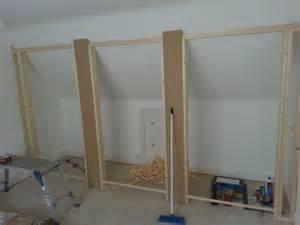 m 225 s de 1000 ideas sobre slanted ceiling closet en