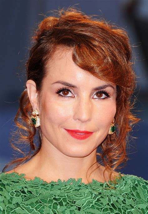noomi rapace hot pictures show  sexy abs feet body