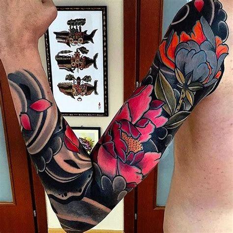 fleur de chrysantheme tatouage