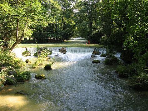 Englischer Garten Eisbach Surfen by Eisbach Isar