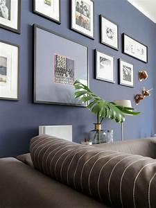 Wandfarbe Für Wohnzimmer : dunkelblaue wandfarbe f r 39 s wohnzimmer probiere es mal aus ~ One.caynefoto.club Haus und Dekorationen